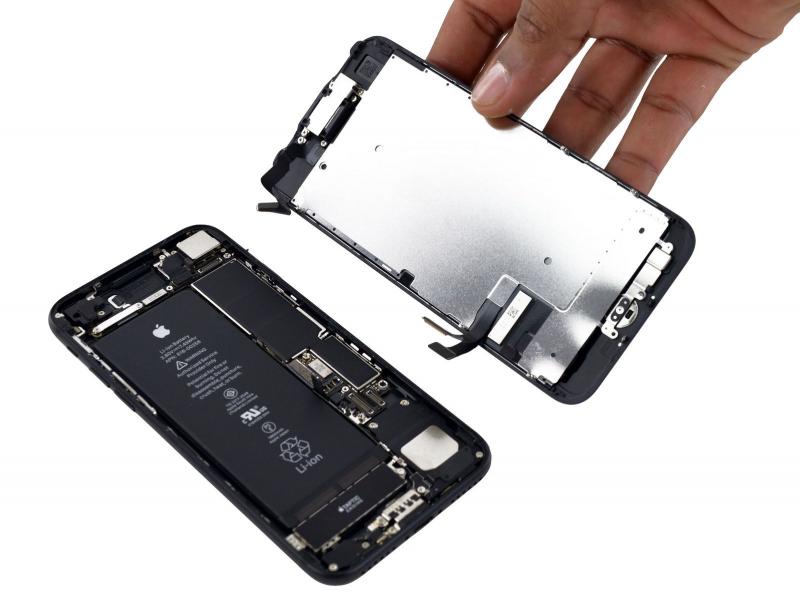 Замена LCD (Дисплей + Стекло) iPhone 7