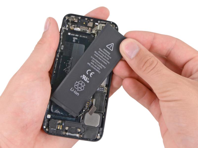 Замена аккумулятора iPhone 5
