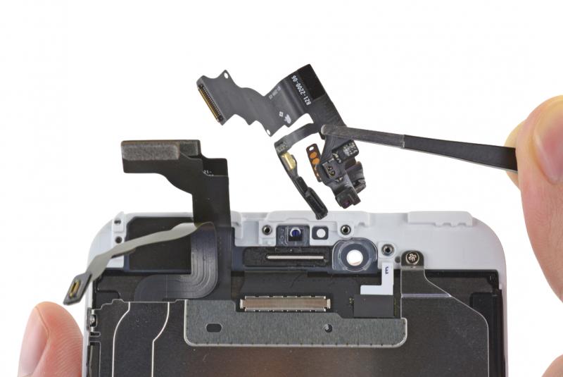 Замена фронтальной камеры (шлейф датчиков) iPhone 6 Plus