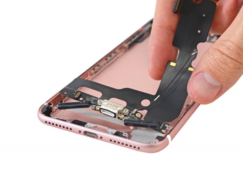 Замена разъёма зарядки (Lightning) iPhone 7 Plus