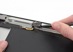 Замена фронтальной камеры iPad 2