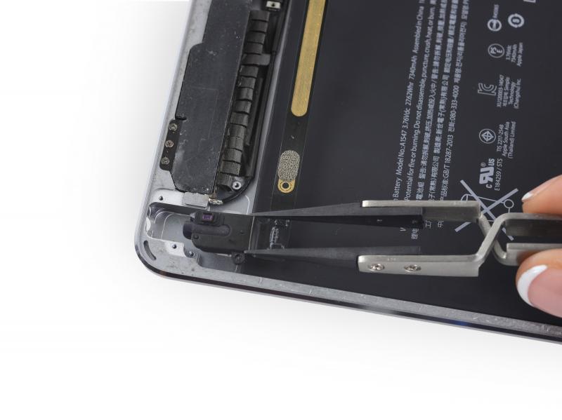 Замена шлейфа гарнитуры (наушников) iPad Air 2