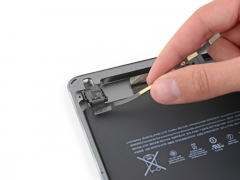 Замена шлейфа гарнитуры (наушников) iPad Air