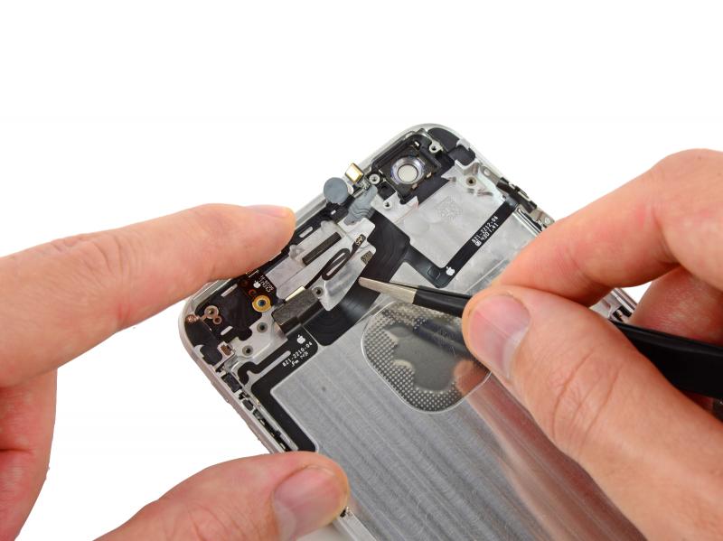 Замена шлейфа кнопки включения iPhone 6 Plus