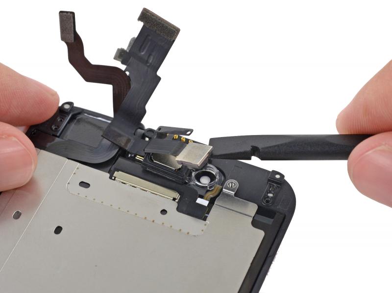Замена фронтальной камеры (шлейф датчиков) iPhone 6