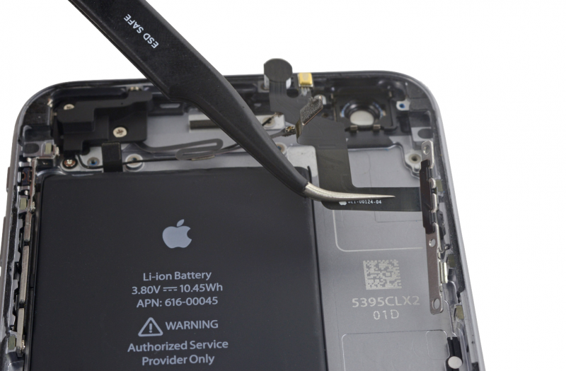 Замена шлейфа кнопки включения iPhone 6s Plus