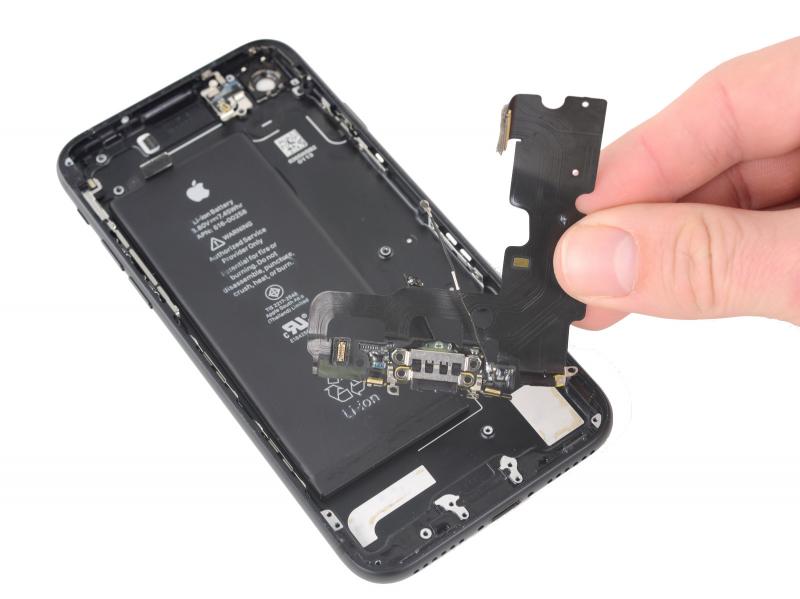 Замена разъёма зарядки (Lightning) iPhone 7