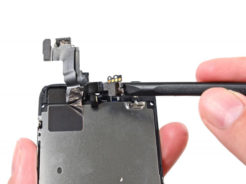 Замена фронтальной камеры (шлейф датчиков) iPhone 5s