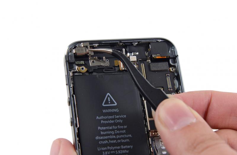 Замена вибро звонка iPhone SE